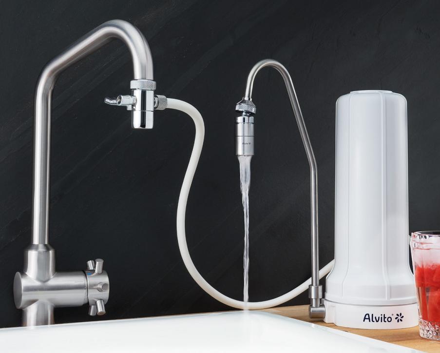 Auftischfilter Alvito AquaNEVO Pro mit Kugelgelenk und Wasserwirbler AquaNEVO Viva.